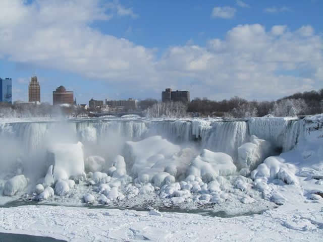 Niagara Falls Freezes: Pictures Show Frozen Falls as Polar Vortex to Hit US